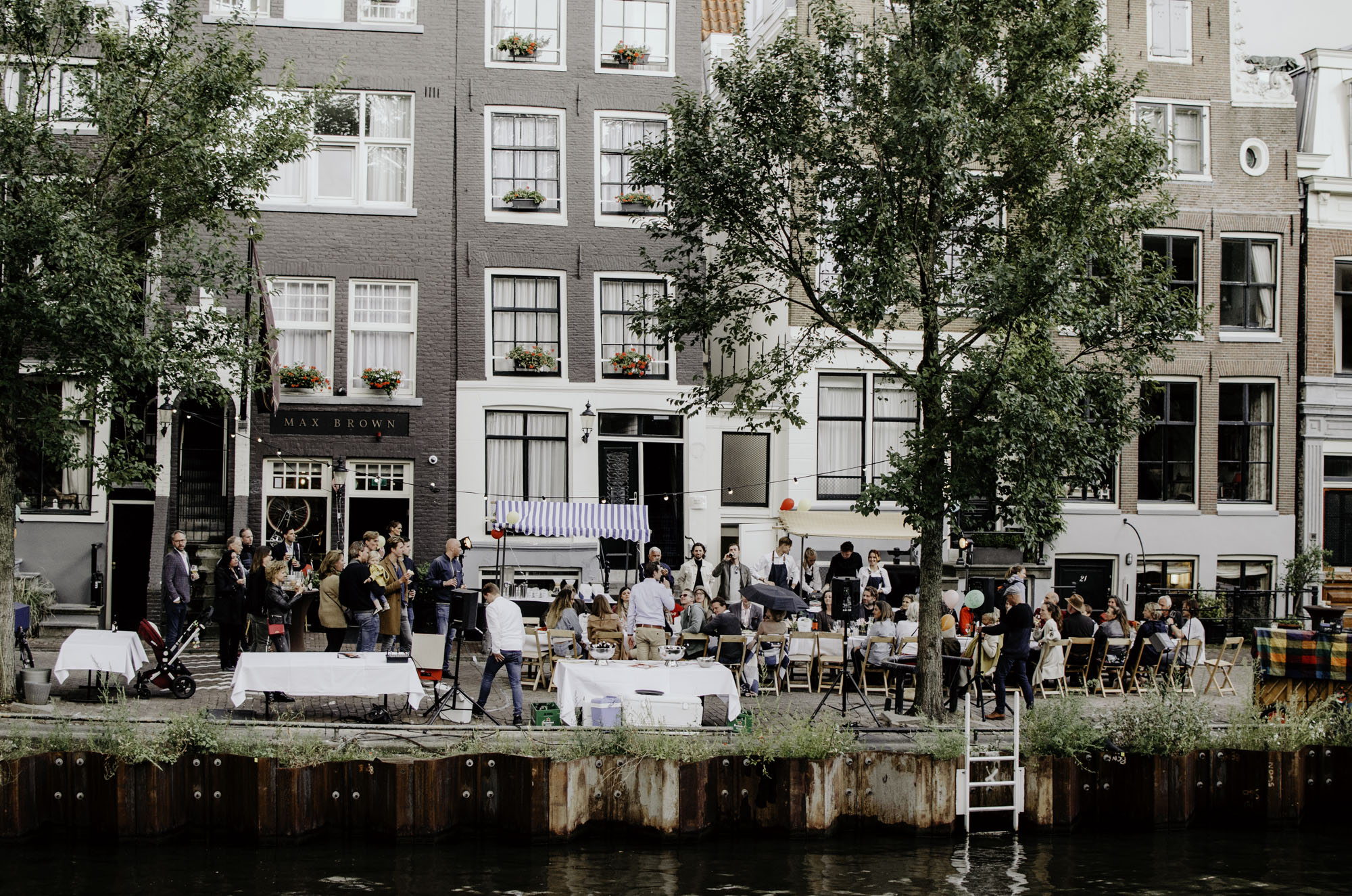 max-brown-canal-pizza-party-amsterdam