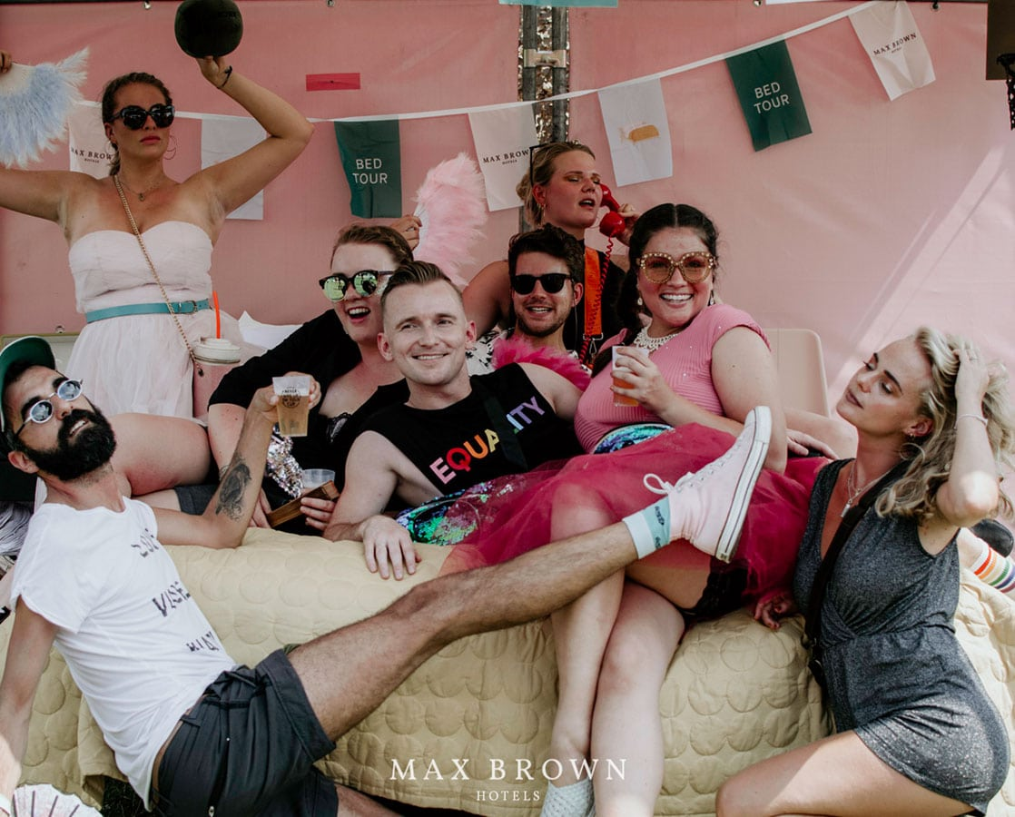 max-brown-bed-tour-recap-picture-4